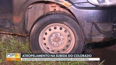 Jovem é atropelado enquanto trocava pneu - Acidente foi na subida do Colorado, na noite de sábado (25). O motorista da caminhonete dirigia em alta velocidade e arrastou a vítima, de 18 anos. O atropelador foi preso.