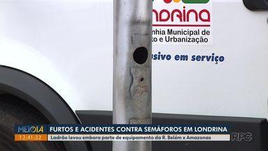 Caixa de controle de semáforo é furtada em Londrina - De acordo com a CMTU, caso não é isolado. Das outras vezes furtaram apenas a tampa.