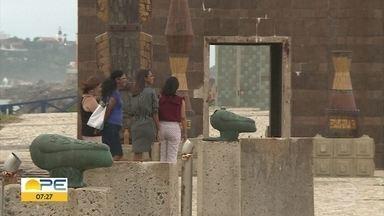 Insegurança e vandalismo prejudicam turismo no Parque das Esculturas, no Recife - Espaço fica no Marco Zero e é um dos cartões-postais da cidade, mas falta de policiamento e de revitalização afastam turistas.
