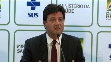 """Ministério da Saúde confirma três casos suspeitos de coronavírus no Brasil - Governo seguiu o parâmetro da Organização Mundial de Saúde e elevou a classificação de risco do Brasil para o nível 2, que significa """"perigo iminente""""."""