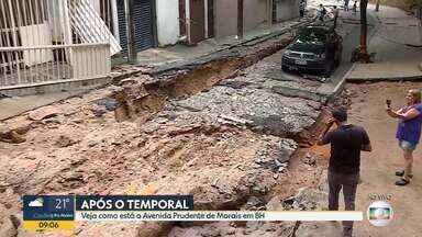 Avenida Prudente de Morais amanhece cheia de estragos após temporal em Belo Horizonte - Moradores da região saíram de casa por conta própria.