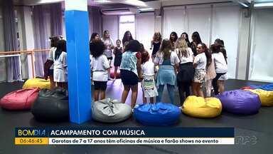 Jovens participam em Curitiba de um acampamento diferente - Garotas de 7 a 17 anos têm oficinas de música e farão shows no evento