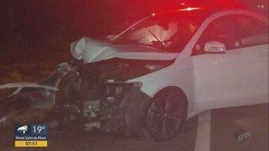Homem fica ferido ao bater carro em árvore na BR-146 - Acidente foi em trecho de Muzambinho