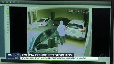 Polícia prende quadrilha suspeita de roubar mansões - Sete pessoas foram presas, mas a polícia tenta identificar outros integrantes.