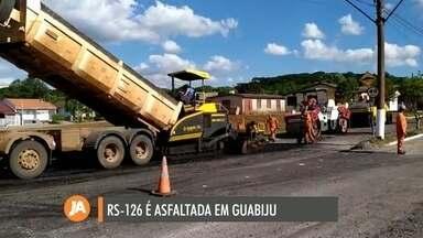 Estrada que dá acesso ao município de Guabiju é asfaltada - Por mais de 20 anos, obras começaram e pararam na RS-126.