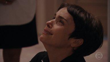 Nina se humilha para Carminha não demiti-la - Carminha chama Nina de golpista