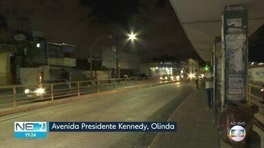 Obra na Avenida Presidente Kennedy, em Olinda, muda roteiros de ônibus - Alterações entram em vigor no sábado (1º)