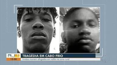 Irmãos morrem afogados em rio na zona rural de Cabo Frio, no RJ - Acidente aconteceu na Estrada do Trimumum, no bairro Botafogo.