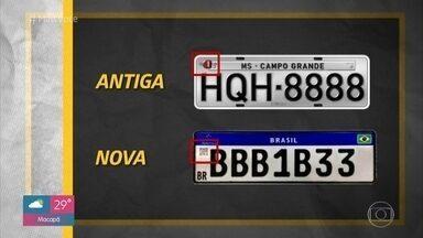População tira dúvidas sobre as placas no padrão Mercosul - Novo modelo de placas para veículos terá código QR para melhorar a segurança