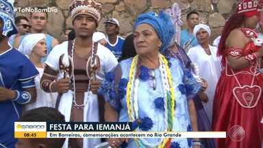 Moradores de Barreiras de preparam para a Festa de Iemanjá - Em Salvador, evento acontece no Rio Vermelho.