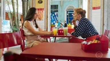 Mariliz pede que Milena interceda por ela com Daniel - Ela diz que sente muita falta do filho. Milena sugere que Mariliz abra seus sentimentos com Daniel