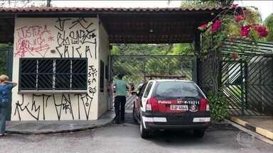 Homem confessa como grupo matou família em São Bernardo do Campo (SP) - Um dos três homens presos, na noite de terça-feira (4), confessou a participação no crime e falou também, em detalhes, sobre a participação da filha do casal e da namorada dela.