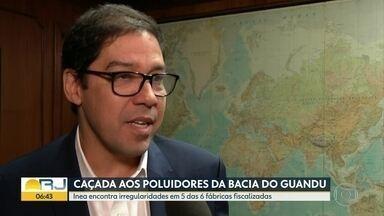 """""""Inacreditável"""", diz secretário sobre despejo de produtos no Rio Guandu - Inea fez uma operação em busco de poluidores do sistema."""