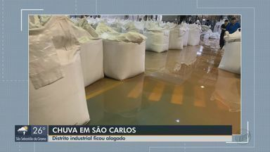 Empresas no Distrito Industrial de São Carlos ficam alagadas após temporal - Sistema de baixão pressão no litoral canaliza a umidade da região Amazônica no interior de São Paulo.