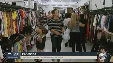 Lojas oferecem mais de 70% de desconto em Passos (MG) - Consumidores saem às compras para aproveitar as promoções