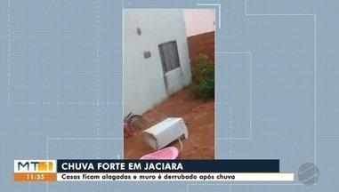 Em Jaciara casas ficam alagadas após chuva - Moradores dizem que alagamentos começara após obra da prefeitura