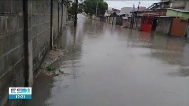 Chuva forte chega a Jaguaré, no Norte do Espírito Santo - Moradores enviaram vídeos do temporal.