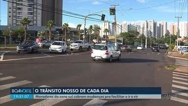 Falta de retorno incomoda moradores da zona sul de Londrina - Moradores precisam rodar quase três quilômetros pra fazer um retorno na rua Martinho Lutero