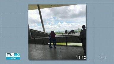 Secretário de Ordem Pública e subsecretário de Comunicação quase brigam - Testemunhas disseram que o subsecretário Daniel Pedreira e o secretário Gutemberg Fonseca trocaram ofensas durante um evento na Cidade das Artes, na Barra da Tijuca.