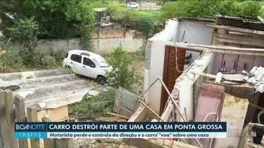 Carro desgovernado destroi parte de casa - O motorista estava embriagado, segundo a polícia. Foi preso, pagou fiança e está em liberdade.