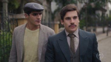 Alfredo está decidido a lutar pela liberdade e pela honra de Carlos - Ele garante para Lúcio que participará da reunião no cabaré