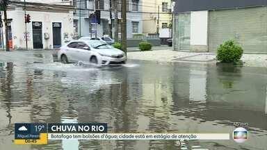 Botafogo ainda tem bolsões d'água - Cidade continua em estágio de atenção