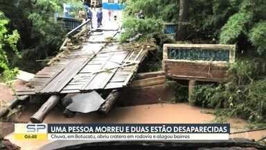 Botucatu em situação de emergência: uma pessoa morreu e duas estão desaparecidas - A chuva, em Botucatu, abriu cratera em rodovia e alagou vários bairros.