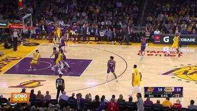 Lakers vence mais uma na NBA: 125 a 100 em cima do Phoenix Suns - Lakers vence mais uma na NBA: 125 a 100 em cima do Phoenix Suns