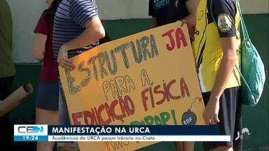 Estudantes da URCA pedem melhorias e denunciam falta de professores - Confira mais notícias em g1.globo.com/ce