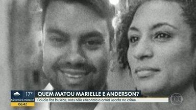 Polícia faz operação para encontrar arma usada para matar Marielle e Anderson - Investigadores inspecionaram 27 cisternas de um condomínio em Jacarepaguá, mas não encontraram a arma do crime
