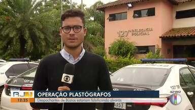 Operação prende despachantes suspeitos de falsificação de alvarás em Búzios, no RJ - MPRJ e Polícia Civil realizaram a segunda fase da Operação Plastográfos nesta quinta-feira (13).
