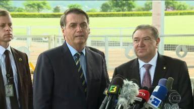 Bolsonaro responde às críticas sobre mudanças no Conselho da Amazônia - Greenpeace condenou fato de governadores não integrarem mais o conselho. Presidente chamou ONG ambiental de lixo.