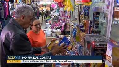 No fim das contas no Bom Dia Paraná - Veja como o bom atendimento pode fazer diferença, toda a diferença para quem está decidindo fazer uma compra.