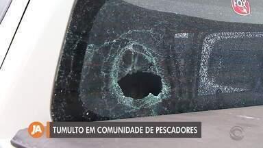 Pescadores e policiais se envolvem em confusão em Colônia Z3, em Pelotas - Uma agente do Ibama ficou ferida no tornozelo.