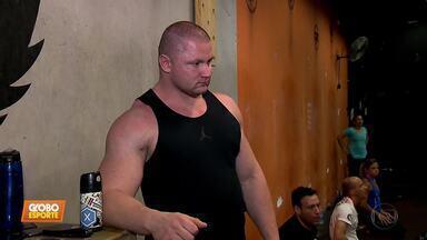 Força bruta: os homens mais fortes do mundo passam por desafios à altura - Força bruta: os homens mais fortes do mundo passam por desafios à altura