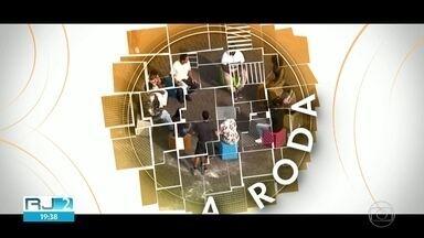 O programa A Roda vai ao ar amanhã depoie do Jornal Hoje. - O programa fala sobre a diversidade no Carnaval e o cenário é a fábrica da festa, a Cidade do Samba.