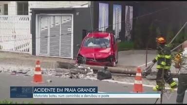 Motorista perde controle e derruba poste em Praia Grande - Momento foi registrado por câmeras de monitoramento.