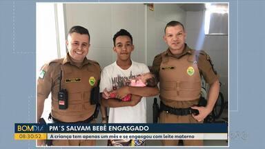 Bebê de 30 dias é salvo por policiais em Cianorte - A crianças engasgou com leite materno e foi atendida pelos policiais militares.