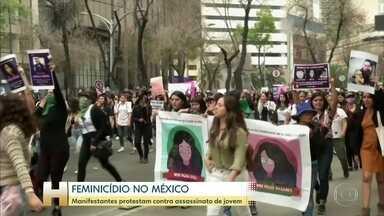 Centenas de pessoas manifestam na Cidade do México contra casos de feminicídio - Manifestação foi motivada pelo assassinato de uma jovem.