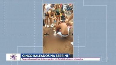 SP1 - Edição de segunda-feira, 17/02/2020 - Cinco pessoas foram baleadas ontem na Berrini. Pré-Carnaval lotou ruas de São Paulo. Moradores da capital ainda sofrem com efeitos da chuva. Falta de investimento contra enchentes em São Paulo. Falta de zeladoria no Minhiocão.