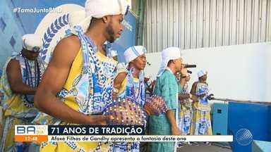 Afoxé 'Filhos de Gandhy' apresenta fantasia para o Carnaval 2020 em Salvador - Confira.