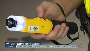 Bafômetro supersensível é adotado em fiscalizações de Carnaval nas rodovias de Campinas - Equipamento é capaz de captar o álcool no ar somente com a aproximação do condutor do veículo.
