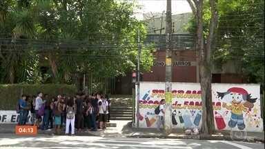 Após agressão de alunos, diretora de escola é trocada em SP - A Secretaria da Segurança Pública disse que quatro policiais foram afastados do serviço nas ruas.