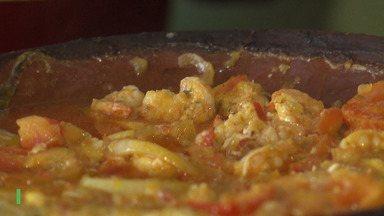 Aprenda a fazer moqueca de peixe selvagem com camarão a beira do Paraguaçu - Confira.
