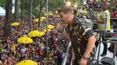 Blocos de São Paulo agradam fãs de todos os ritmos - Milhões de pessoas foram às ruas no fim de semana para curtir MPB, soul music, rap e música sertaneja.