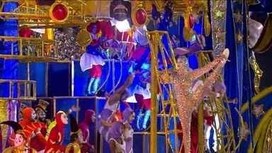 Salgueiro leva 'picadeiro' para a Sapucaí com anões, contorcionistas e atrações circenses - Elementos do carro quiseram lembrar os circos do século XIX.
