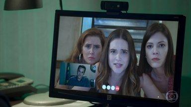 Luna repreende Alexia e Kyra diante de Ivo - A jovem situa as amigas e pede que Ivo passe as próximas orientações agora que elas terão que seguir no programa de proteção