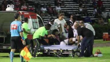Lateral do River-PI deixa o campo de ambulância em jogo da Copa do Brasil - Lateral do River-PI deixa o campo de ambulância em jogo da Copa do Brasil