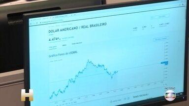 Mercado teme efeito do coronavírus na economia mundial - Nesta quinta-feira (27), mais uma vez, o dólar está subindo e a bolsa de valores está caindo. No Brasil e em vários países.