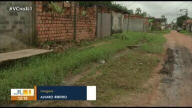 Moradores denunciam falta de saneamento básico no conjunto Carlos Marighella - Moradores denunciam falta de saneamento básico no conjunto Carlos Marighella